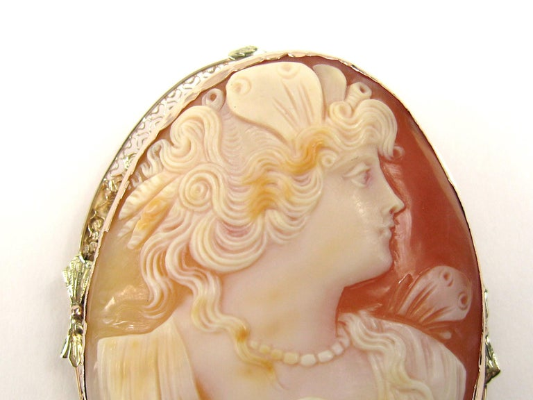 Antique 14 Karat Tri-Colored Gold Cameo Brooch Pendant In Good Condition For Sale In Wallkill, NY