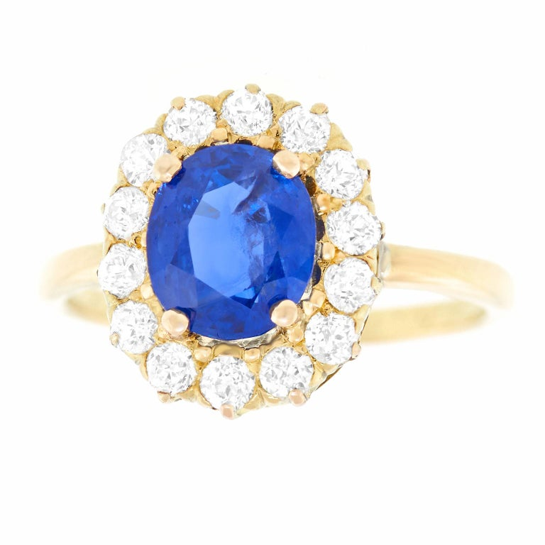 Victorian Antique 1.66 Carat No-Heat Sapphire and Diamond Gold Ring For Sale