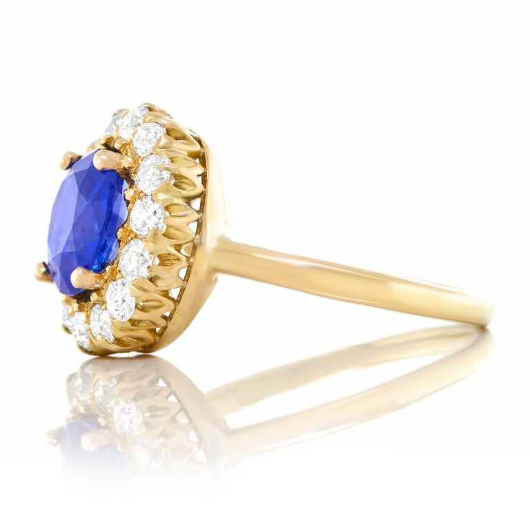 Antique 1.66 Carat No-Heat Sapphire and Diamond Gold Ring For Sale 2