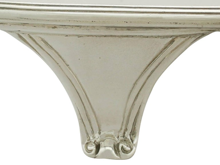Antique 1793 Sterling Silver Salver by Henry Chawner In Excellent Condition For Sale In Jesmond, Newcastle Upon Tyne