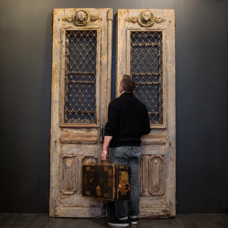 Antique 17th Century Wood and Bronze Italian Doors, circa 1600s For Sale 5
