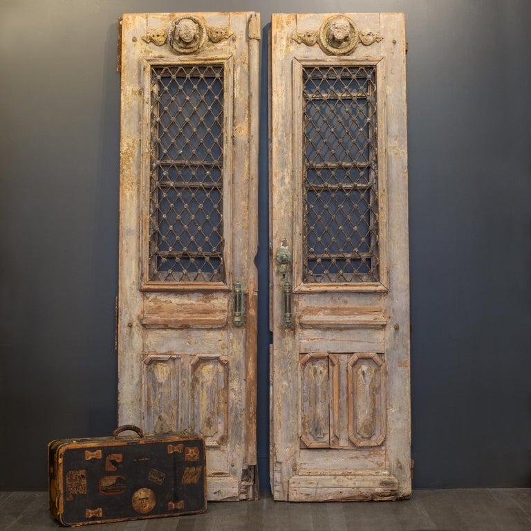 Antique 17th Century Wood and Bronze Italian Doors, circa 1600s For Sale 6