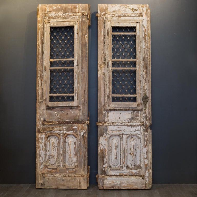 Antique 17th Century Wood and Bronze Italian Doors, circa 1600s For Sale 7
