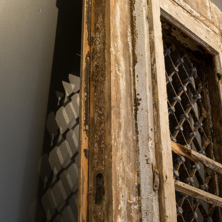 Antique 17th Century Wood and Bronze Italian Doors, circa 1600s For Sale 10