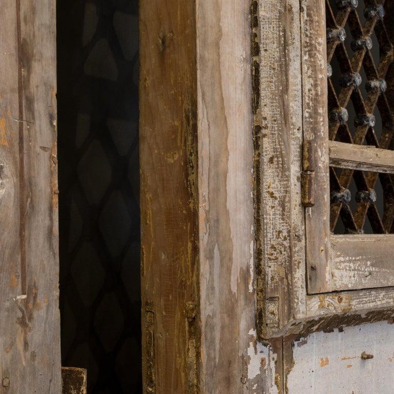 Antique 17th Century Wood and Bronze Italian Doors, circa 1600s For Sale 11