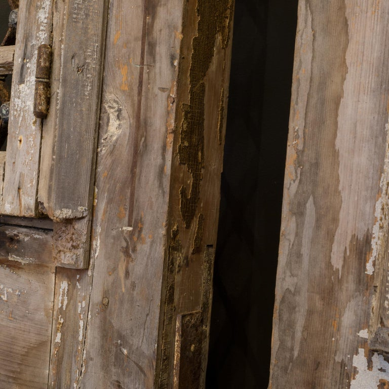 Antique 17th Century Wood and Bronze Italian Doors, circa 1600s For Sale 12