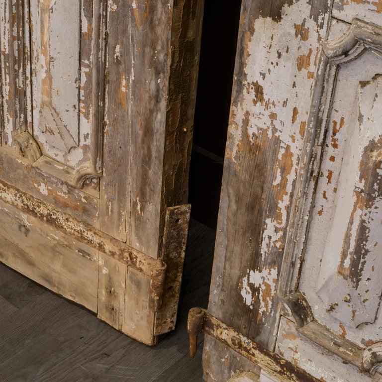 Antique 17th Century Wood and Bronze Italian Doors, circa 1600s For Sale 13