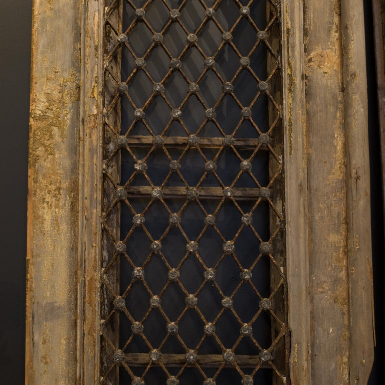 Antique 17th Century Wood and Bronze Italian Doors, circa 1600s In Good Condition For Sale In San Francisco, CA