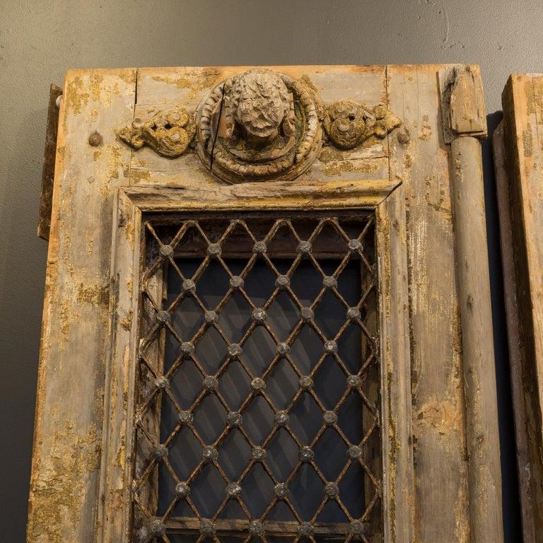 Antique 17th Century Wood and Bronze Italian Doors, circa 1600s For Sale 2