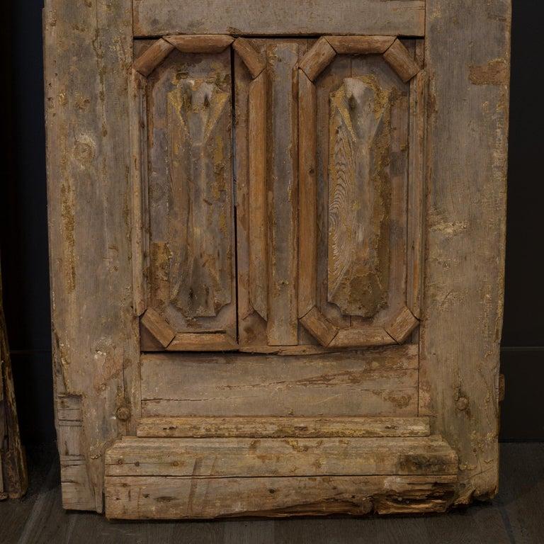 Antique 17th Century Wood and Bronze Italian Doors, circa 1600s For Sale 4