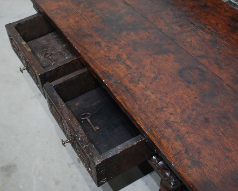 Antique 17th Century Baroque Spanish Walnut Coffee Table with Two Drawers For Sale 6