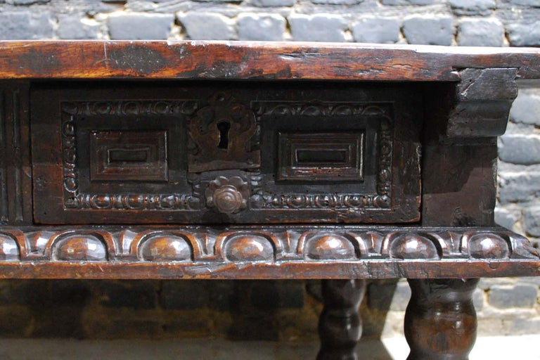 Antique 17th Century Baroque Spanish Walnut Coffee Table with Two Drawers For Sale 4