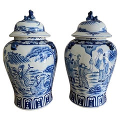 Antique 17th Century Chinese Historic Pair of Blue and White Porcelain Jars