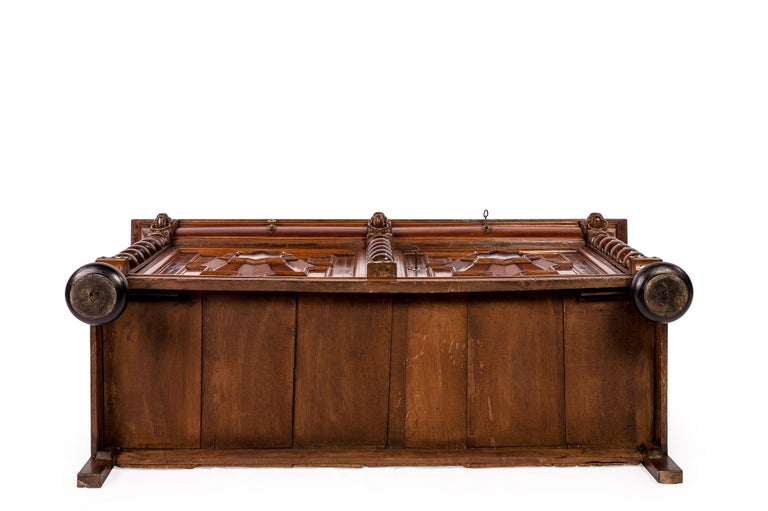 Antique 17th Century Dutch Renaissance Dresser of Buffet in Oak and Walnut For Sale 15