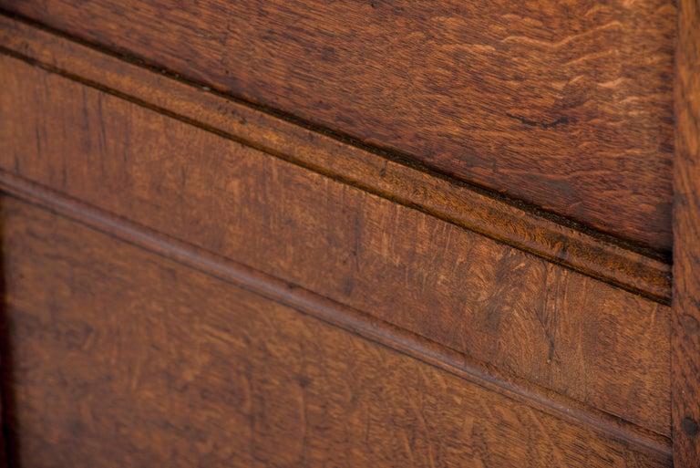 Antique 17th Century Dutch Renaissance Dresser of Buffet in Oak and Walnut For Sale 5