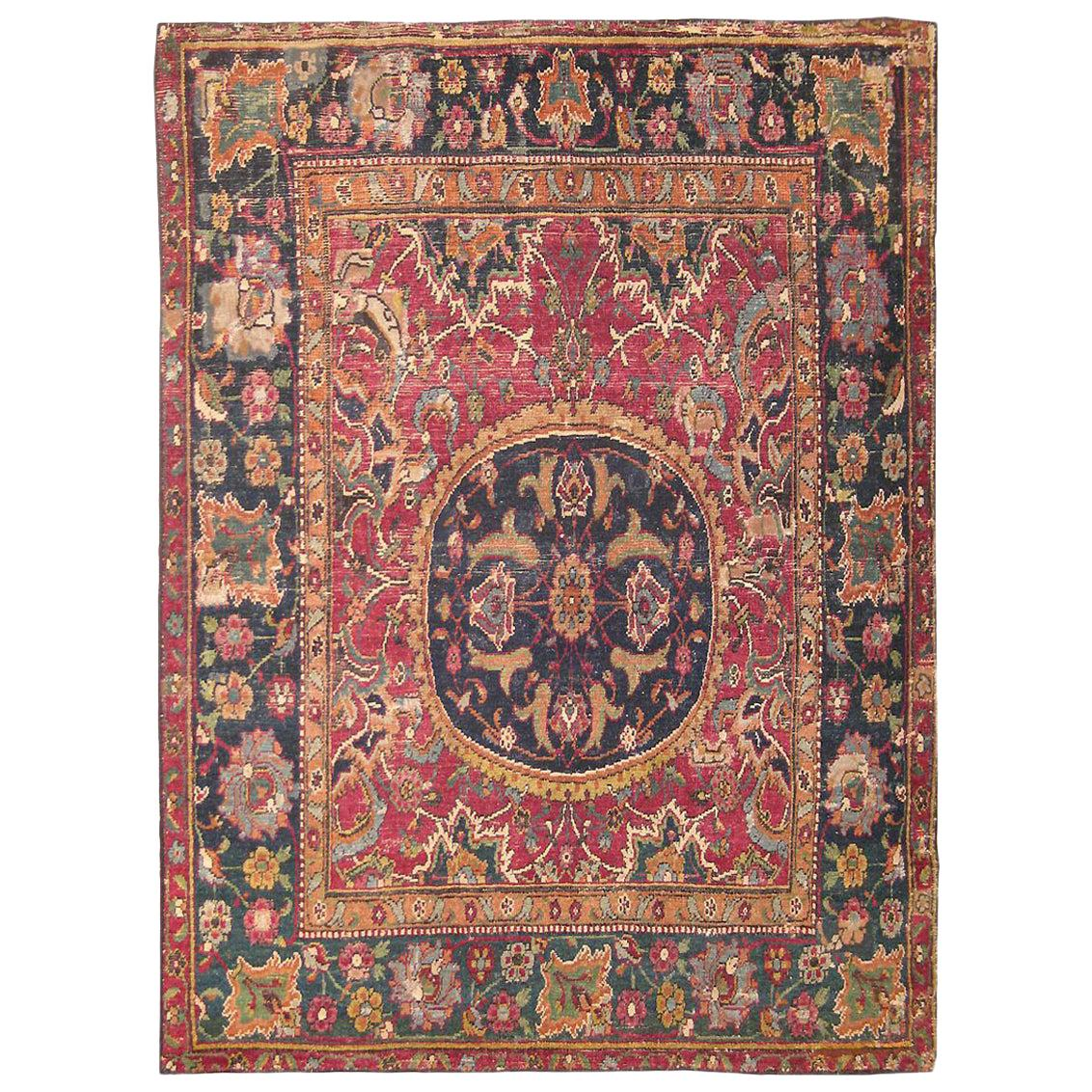 Antique 17th Century Persian Esfahan Rug. Size: 2 ft 10 in x 3 ft 6 in