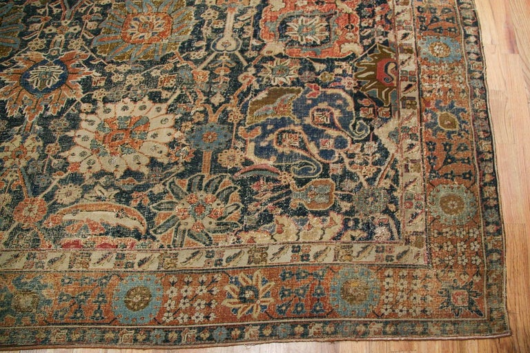 Antique 17th Century Persian Vase Kerman Carpet. Size: 11 ft 5 in x 20 ft 2 in  For Sale 2