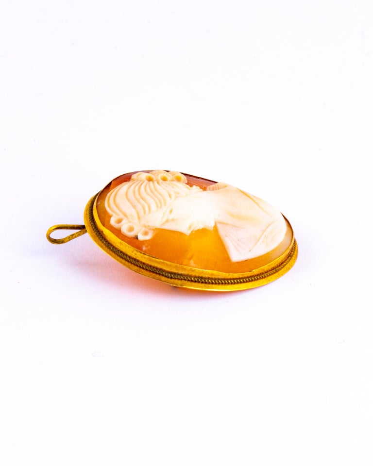 Edwardian Antique 18 Carat Yellow Gold Cameo Brooch For Sale