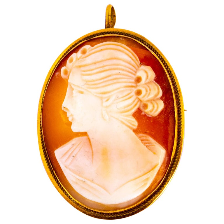 Antique 18 Carat Yellow Gold Cameo Brooch For Sale