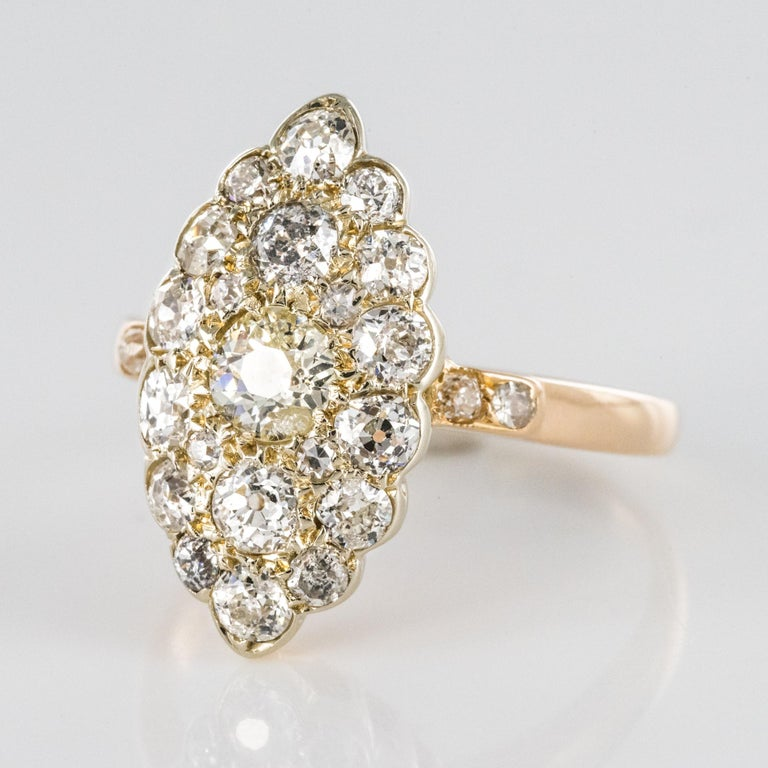 Antique 1.80 Carat Diamonds 18 Karat Yellow White Gold Marquise Ring In Excellent Condition For Sale In Poitiers, FR
