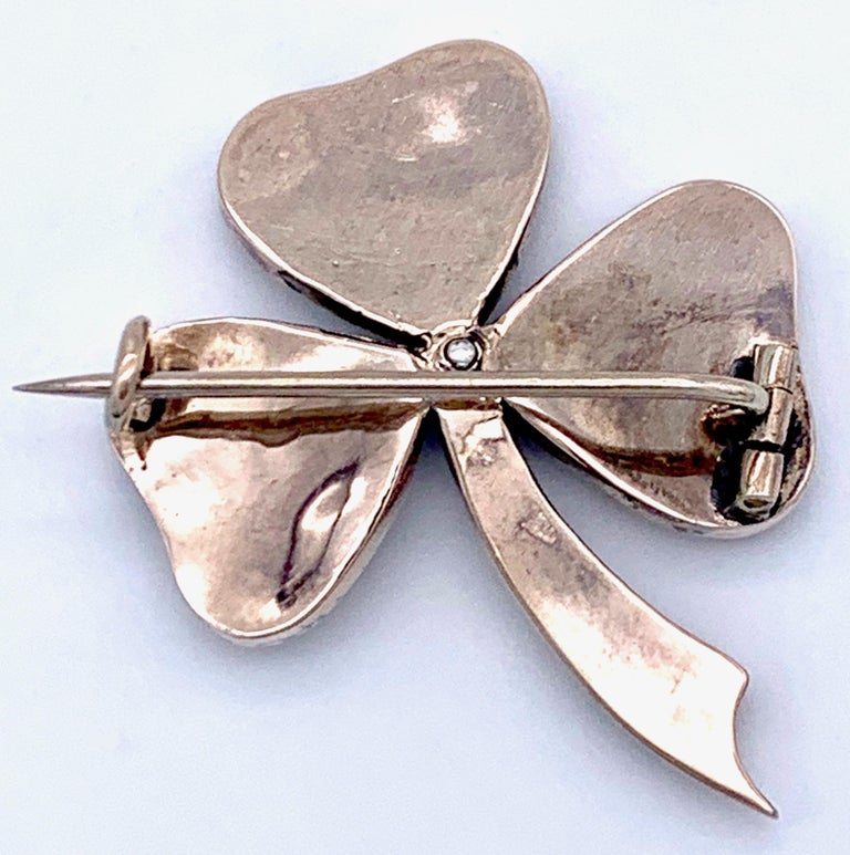 Round Cut Antique 1890 Three Leaf Clover Good Luck Token Bohemian Garnets Brooch For Sale