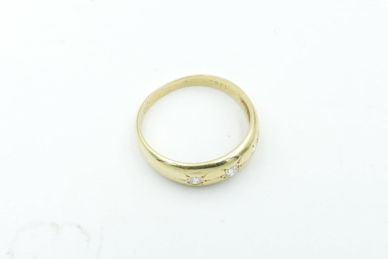 Brilliant Cut Antique 18 Carat Yellow Gold High Quality 3 Diamond Gypsy Ring For Sale