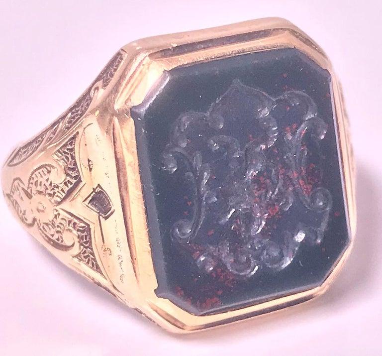Antique 18-Karat Bloodstone Signet Ring, circa 1880 For Sale 1