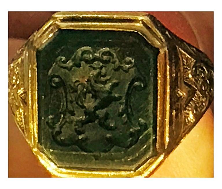 Antique 18-Karat Bloodstone Signet Ring, circa 1880 For Sale 2