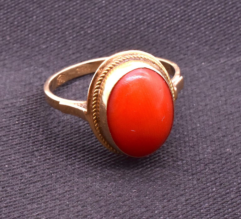 Late Victorian Antique 18 Karat Coral Ring, circa 1880 For Sale