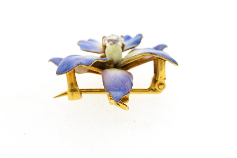Antique 18 Karat Yellow Gold Purple Enamel Diamond Orchid Brooch In Good Condition For Sale In New York, NY