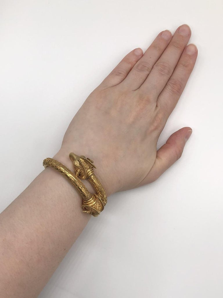 Antique 18 Karat Yellow Gold Rams Head Etruscan Revival Bangle, circa 1880s For Sale 2