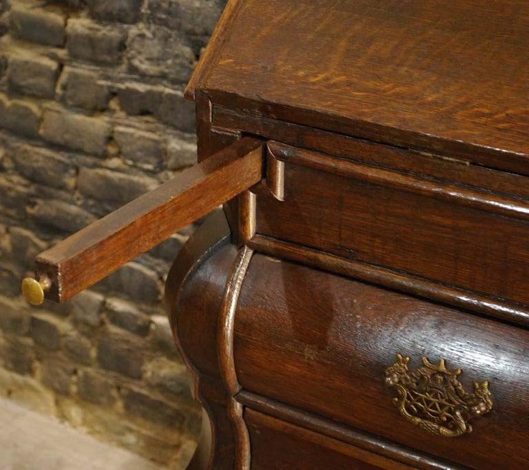 Antique 18th Century Dutch Oak Drop Front Bombe Secretary Desk Secretaire In Good Condition For Sale In Casteren, NL