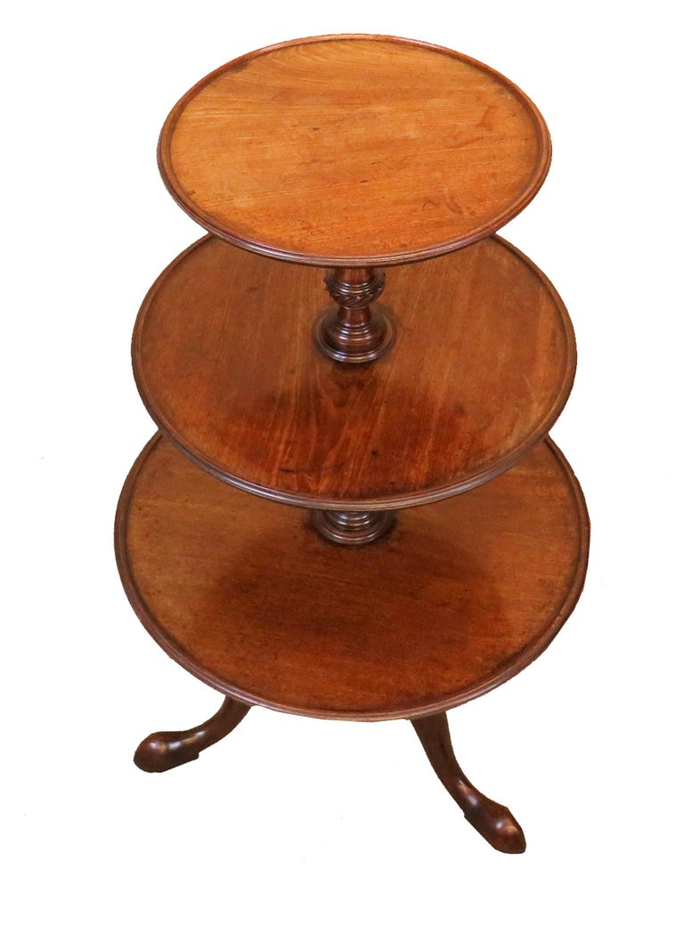 18th Century English Georgian Mahogany Antique Dumbwaiter In Good Condition For Sale In Bedfordshire, GB