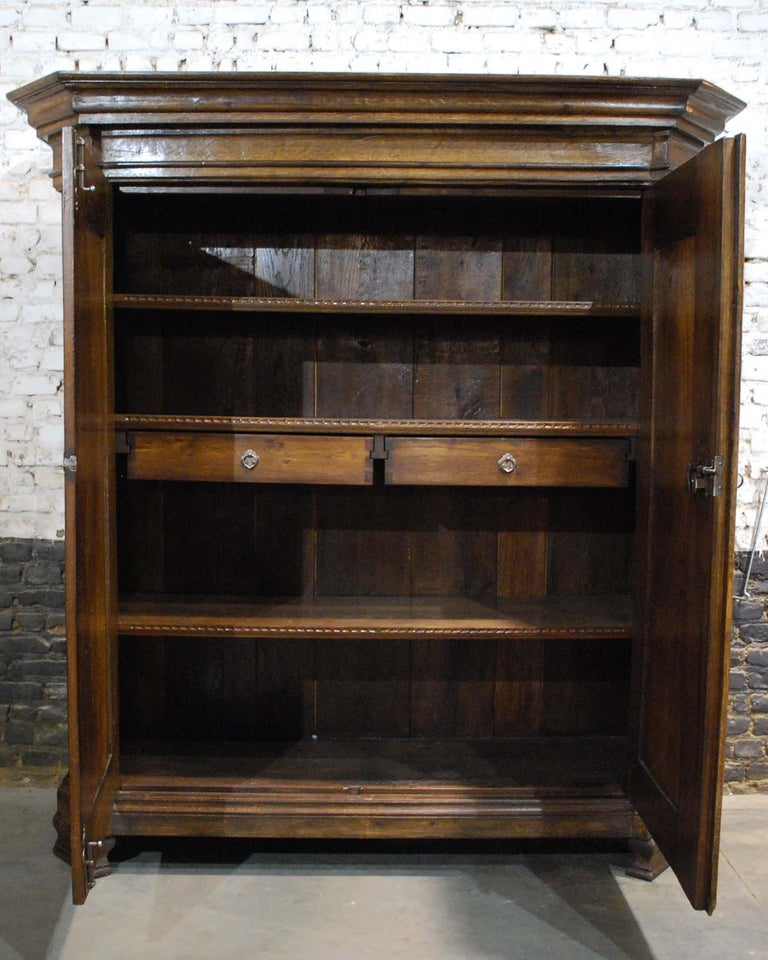 Antique 18th Century German Oak Two-Door Cabinet or Wardrobe For Sale 3