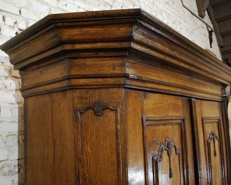 Antique 18th Century German Oak Two-Door Cabinet or Wardrobe For Sale 6