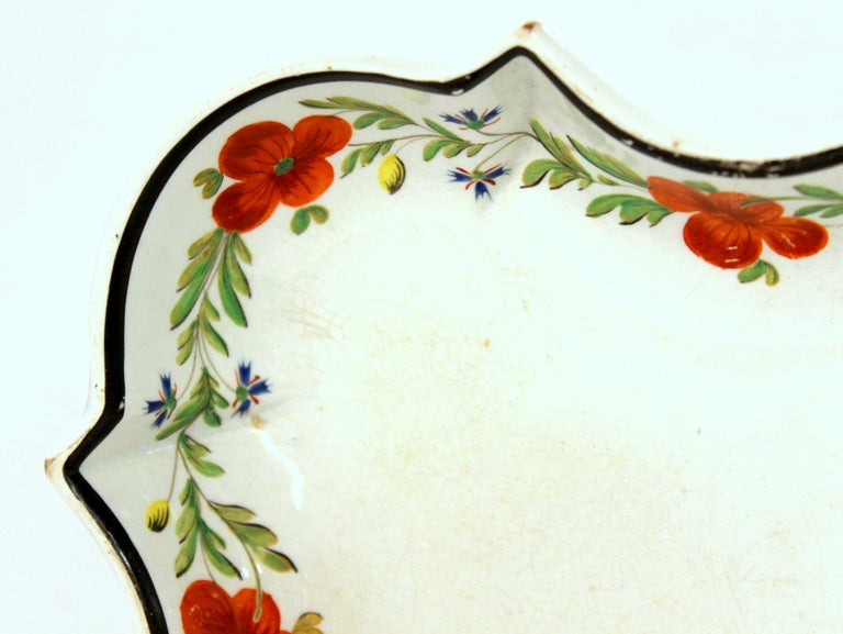 Antique 18th Century J.&E. Baddeley Earthenware Shaped Dessert Dish, Shelton In Good Condition For Sale In Charleston, SC
