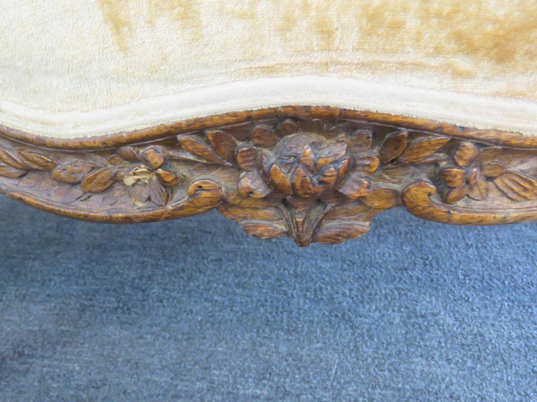 Louis XVI Large Period 1780s Era Carved Walnut French Louis XV Settee Sofa Couch For Sale