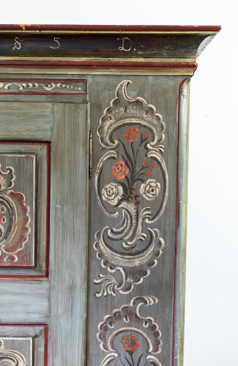 Antique 18th Century Painted Dutch Marriage Cupboard / Wardrobe / Armoirea In Good Condition For Sale In Pickering, North Yorkshire