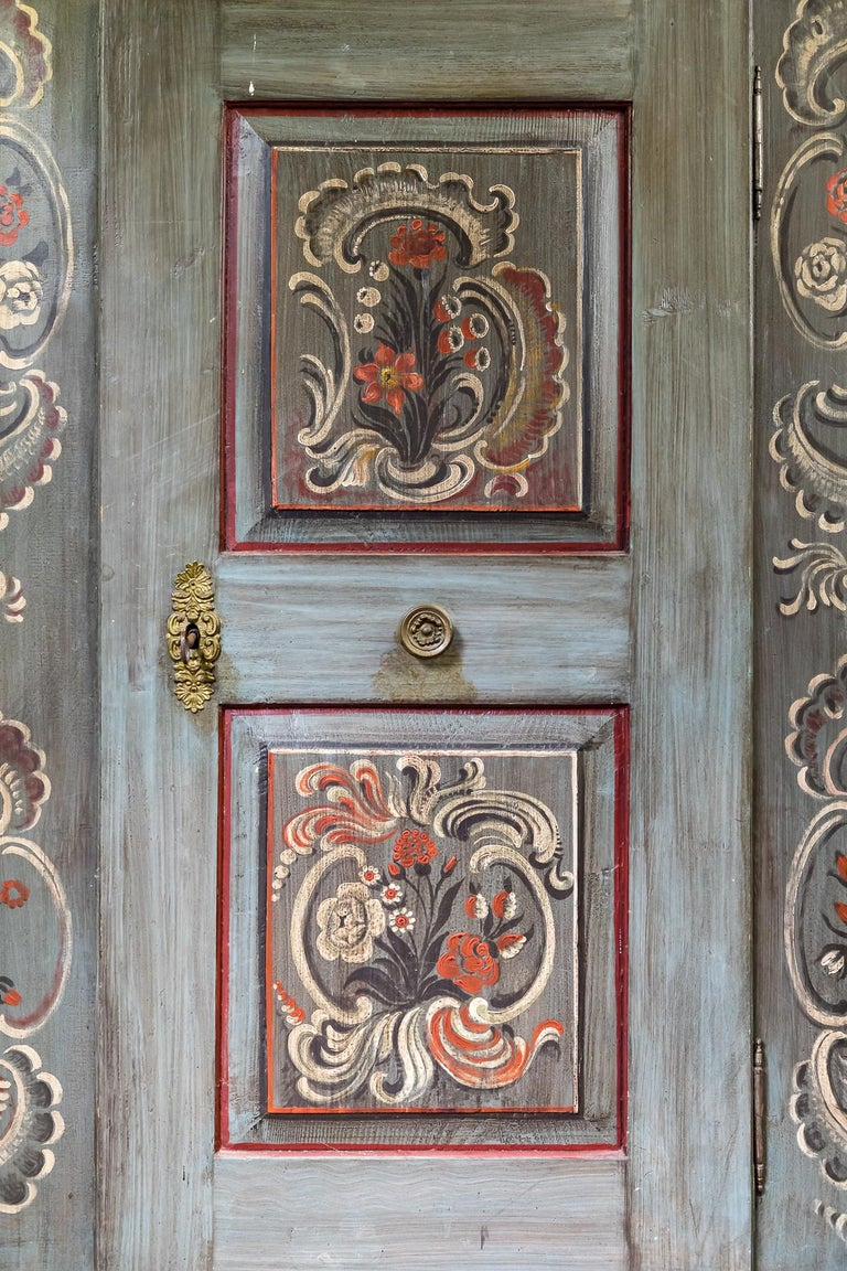 Antique 18th Century Painted Dutch Marriage Cupboard / Wardrobe / Armoirea For Sale 2