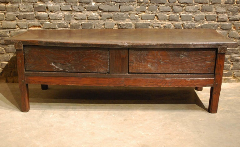 Antique 18th-Century Rustic Spanish Chestnut Coffee Table with Geometric Carving For Sale 5