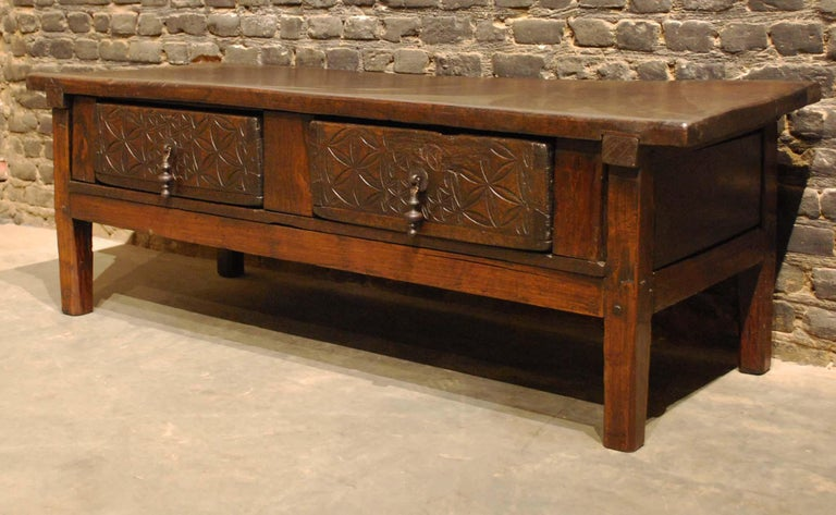 Antique 18th-Century Rustic Spanish Chestnut Coffee Table with Geometric Carving For Sale 1