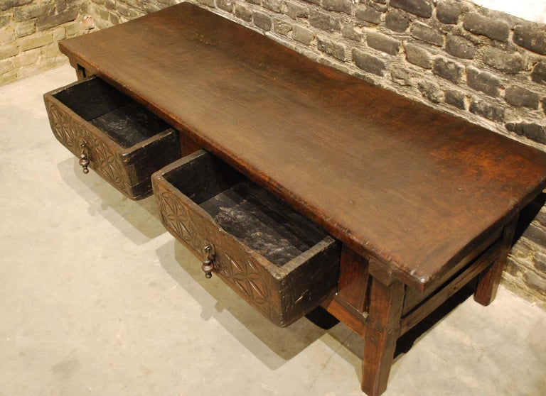 Antique 18th-Century Rustic Spanish Chestnut Coffee Table with Geometric Carving For Sale 2