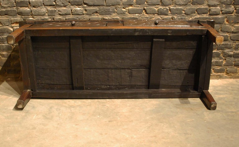 Antique 18th-Century Rustic Spanish Chestnut Coffee Table with Geometric Carving For Sale 4