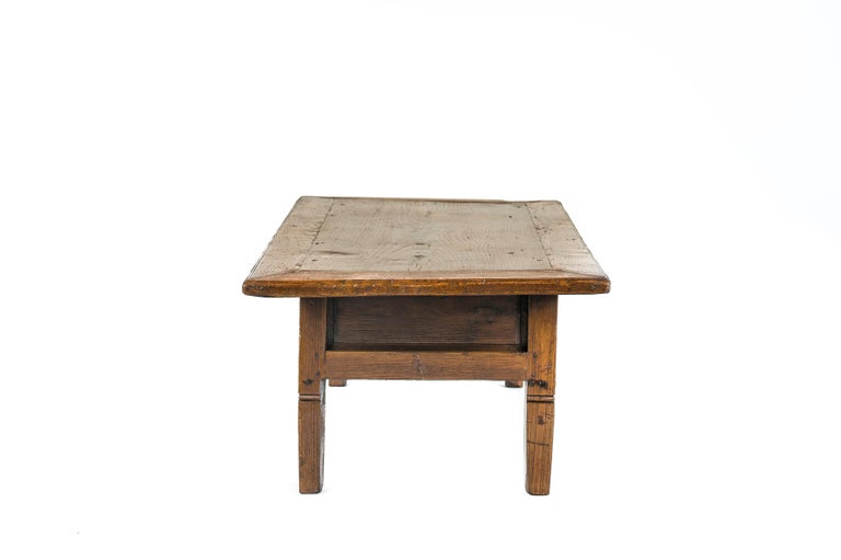 Forged Antique 18th-Century Rustic Spanish Honey Color Chestnut Coffee Table  For Sale