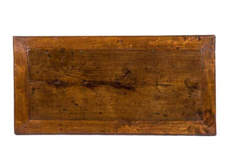 18th Century Antique 18th-Century Rustic Spanish Honey Color Chestnut Coffee Table  For Sale