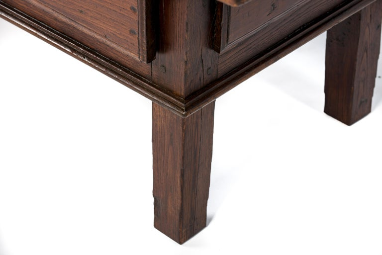 Antique 18th-Century Rustic Spanish Warm Brown Chestnut Coffee Table For Sale 3