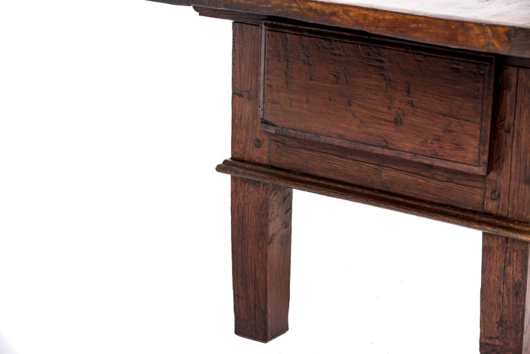 Antique 18th-Century Rustic Spanish Warm Brown Chestnut Coffee Table For Sale 8