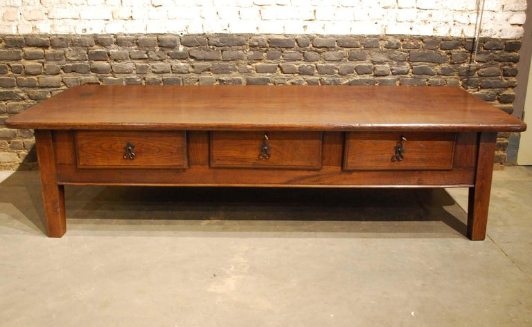 Baroque Antique 18th-Century Rustic Spanish Warm Brown Chestnut Coffee Table For Sale