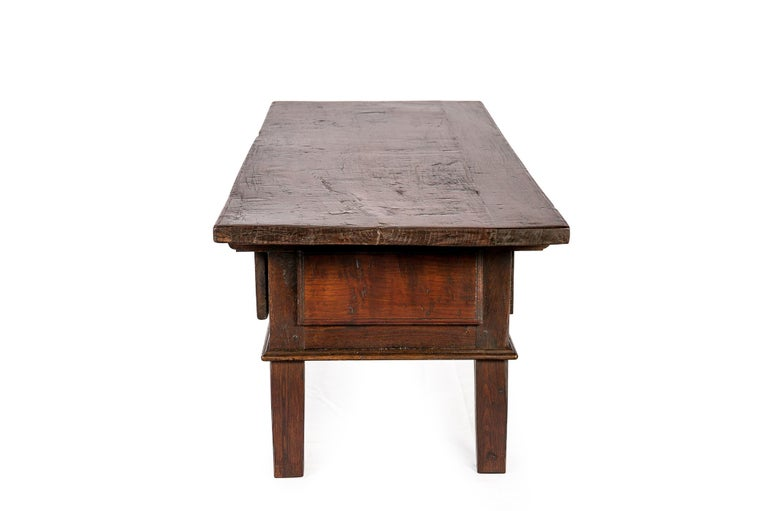 Forged Antique 18th-Century Rustic Spanish Warm Brown Chestnut Coffee Table For Sale