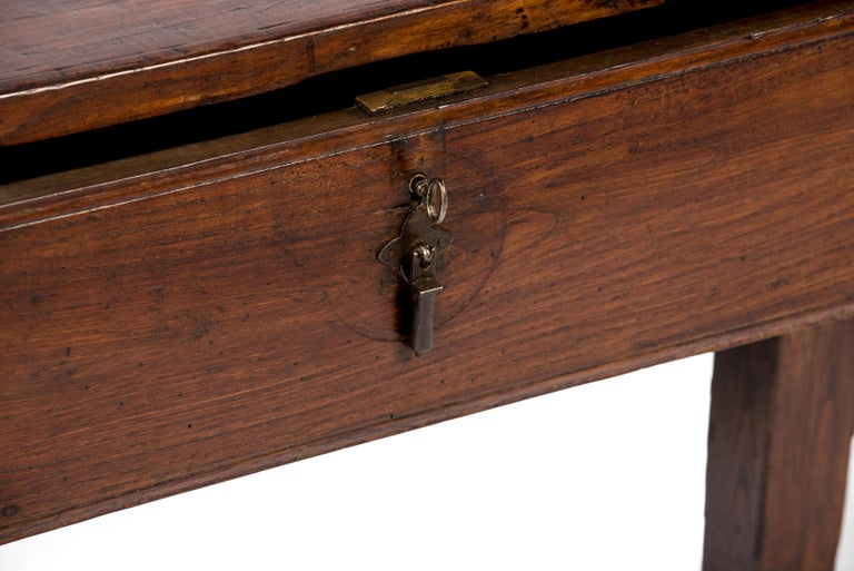 19th Century Antique 18th-Century Rustic Spanish Warm Brown Chestnut Coffee Table For Sale